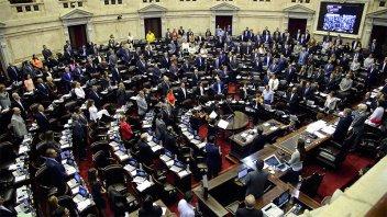 Diputados llaman a sesión especial para condenar el