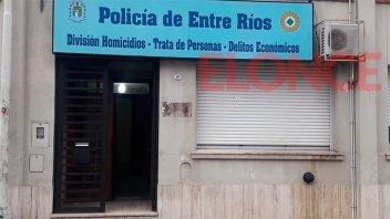 Un hombre fue víctima de una estafa teléfonica: Entregó pesos y dólares