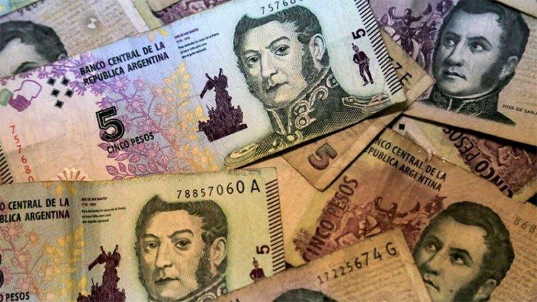 Los billetes de 5 pesos saldrán de circulación dentro de algunas semanas