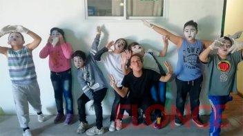 La Escuela Mitre realizó su muestra anual de talleres en el Juan L. Ortiz