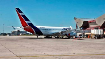 EE.UU prohibió los vuelos comerciales a Cuba, menos a La Habana