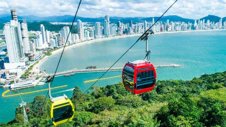 Vacaciones: la devaluación del Real hizo disparar 25% las reservas a Brasil