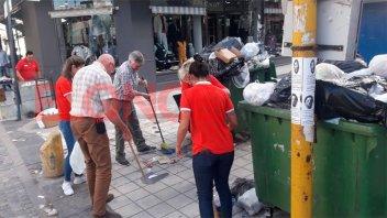 Comerciantes paranaenses se organizaron y limpiaron el microcentro