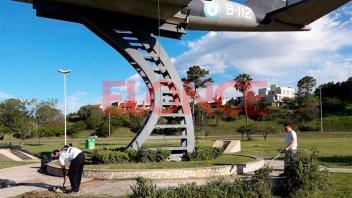 Hijos de Veteranos limpian monumentos de Malvinas