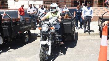Entregaron motocarros para sacar caballos de la vía pública en La Histórica