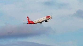 Analizan suspender vuelos entre San Pablo y Malvinas