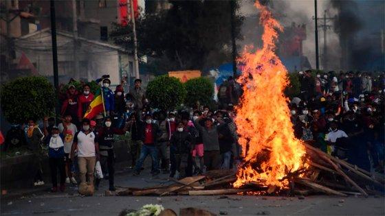 Aumenta el número de muertos por la represión en marchas a favor de Evo Morales