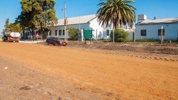 Enripian el camino hacia la escuela ubicada en Distrito Chiqueros