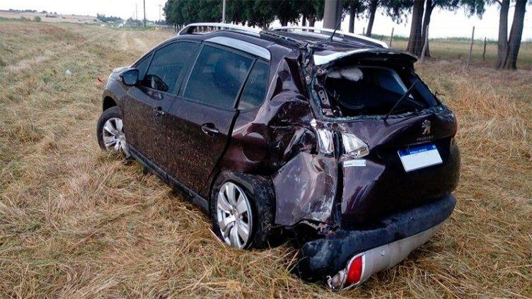 Despistó un auto en el que viajaban un matrimonio y dos niños