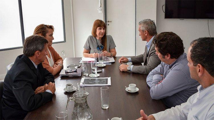Salud y Asociación de Oftalmología hablaron de continuar acciones integradas