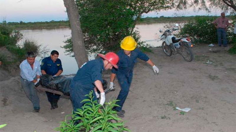 Mellizos murieron ahogados en Santiago del Estero. Rescataron un cuerpo.