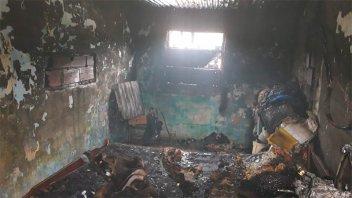 Una vivienda se prendió fuego por un cortocircuito y la familia