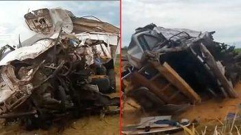 Dos camiones chocaron de frente en Ruta 50 y falleció uno de los conductores