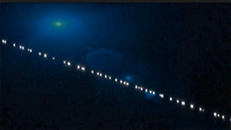Una fila de luces en el cielo entrerriano causó sorpresa