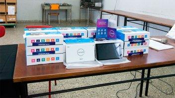 Entregaron en Paraná 250 tablets del programa