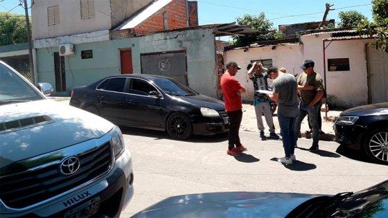 Encapuchados robaron $75.000 en violento asalto: Un detenido tras investigación