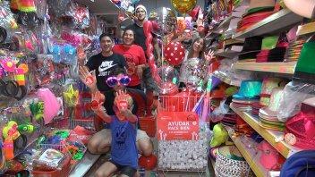 La Piñata donó cotillón para la Caravana de Once por Todos