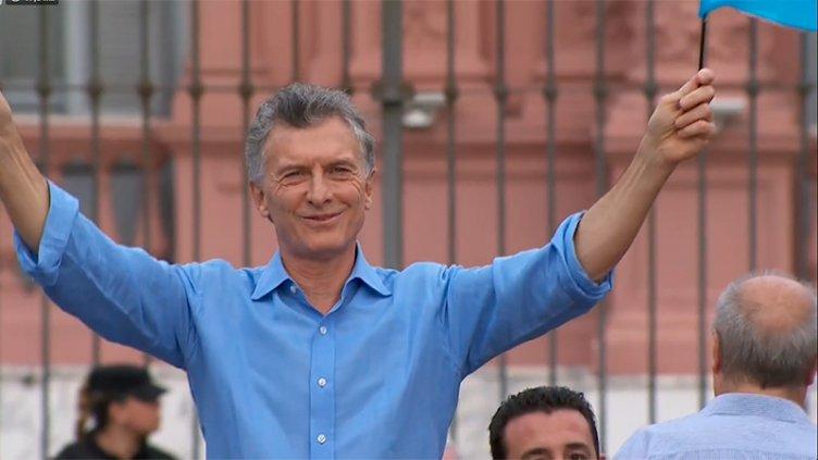 Macri se despidió en Plaza de Mayo: