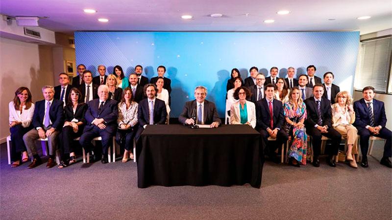 Gabinete de Fernández: un tercio son abogados y un 60 %, egresados de la UBA