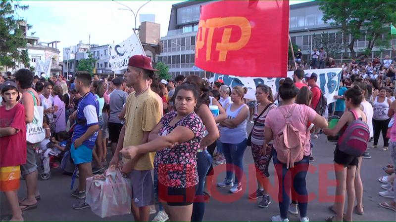 Fotos: Así se aguarda la llegada de Bordet y Fernández a Plaza Mansilla