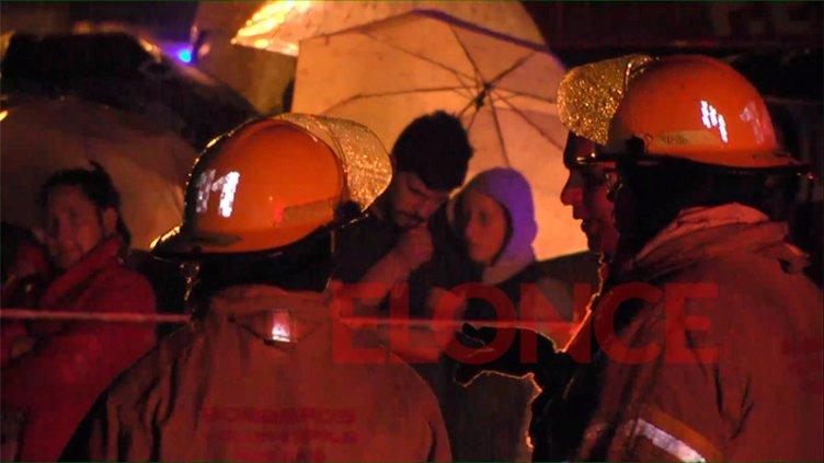 Cayó con su auto al arroyo: Testigo rememoró cómo ocurrió el accidente