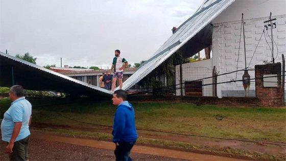 Coordinan asistencia a familias de Paraná y Concordia afectadas por el temporal