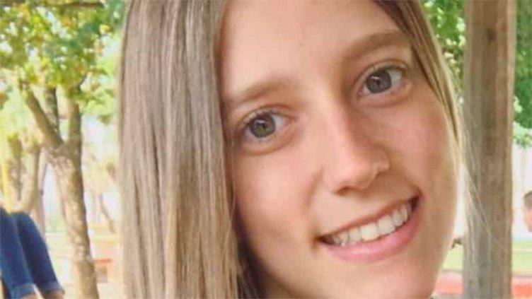 Sigue la intensa búsqueda de la joven cuyo auto fue arrastrado a un arroyo