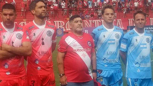 Diego Maradona volvió a La Paternal y tiró: