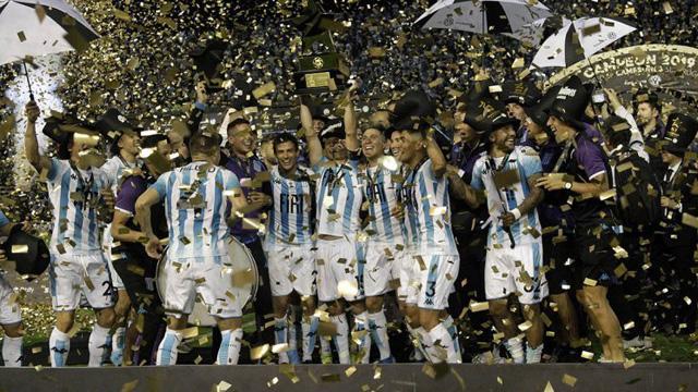 Racing venció a Tigre y es el ganador de la primera edición del Trofeo de Campeones